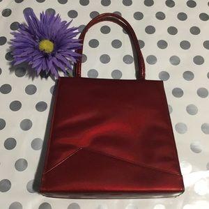 VINTAGE 🍎 RED PATENT BAG!
